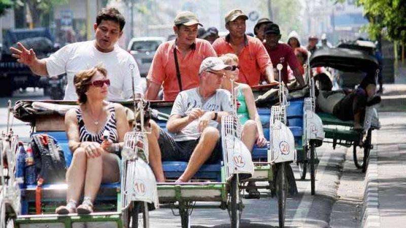 Indonesia akan di penuhi Turis Dari Polandia