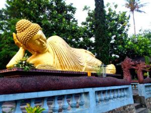 Vihara Dhammadipa Arama, Batu