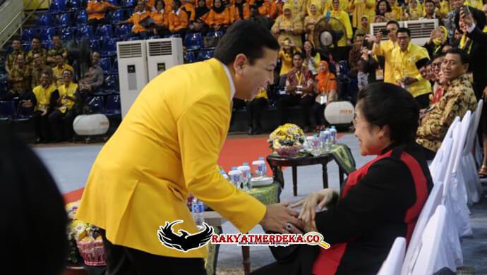 Ketika Megawati Menolak Ajakan Foto Bersama Kader Golkar