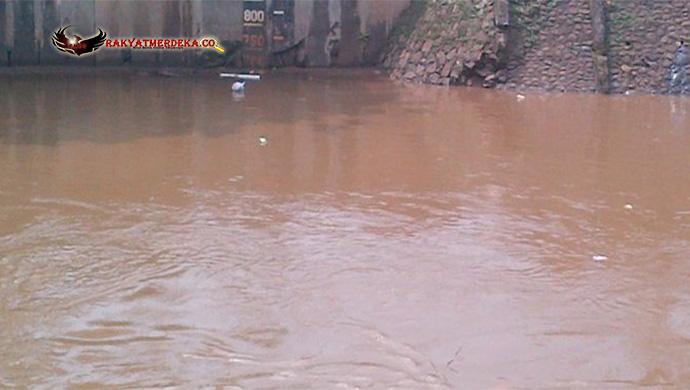 Jalur Cilacap - Pangandaran Putus Akibat Meluapnya Sungai Pelimbahan
