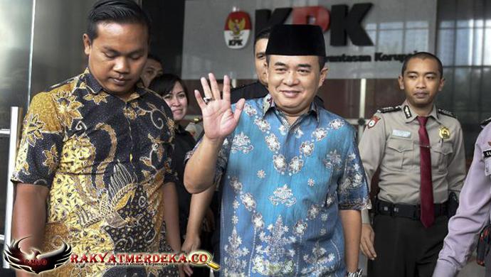 Akom Diperiksa Sebagai Saksi Setya Novanto oleh KPK