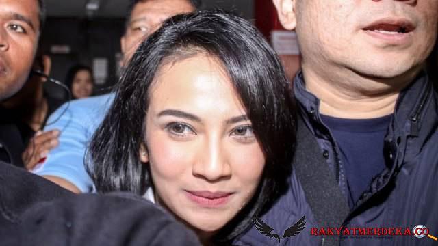 Vanessa Angel dan Sang Suami Diamankan Polisi karena Narkoba