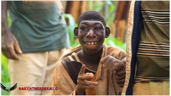 Berkepala Kecil dan Betah di Hutan, Pria Ini Disebut Tarzan di Dunia Nyata