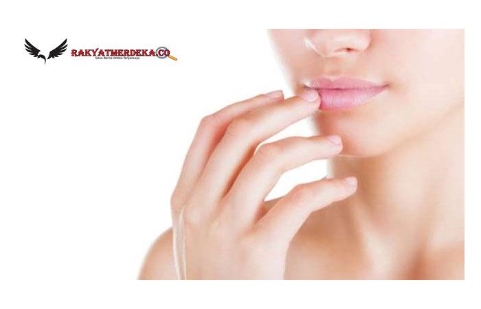 Ketahui 5 Penyebab Bibir Menghitam