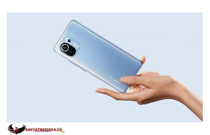 Mengintip Isi Komponen Xiaomi Mi 11